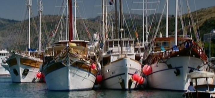 Brodovi hranitelji