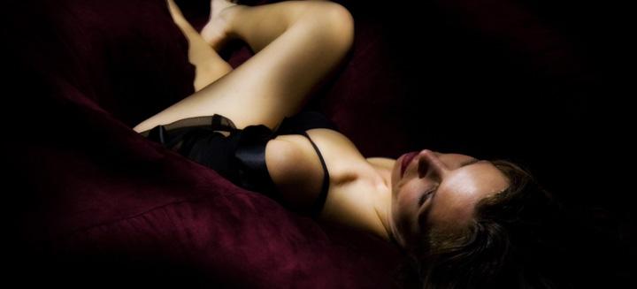 Alyssa Milano - Der Vampire Heiß Scene Umarmung